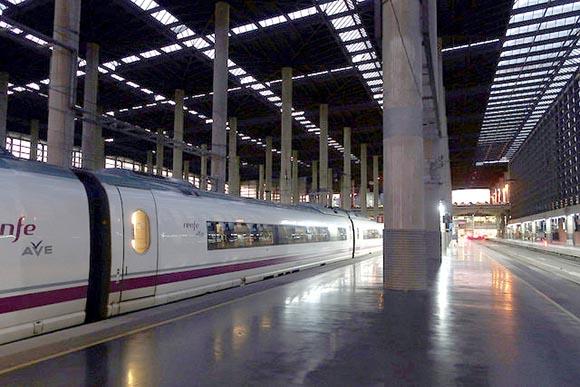 Viajar en trenes AVE por España en 2019 ofrece muchas ventajas
