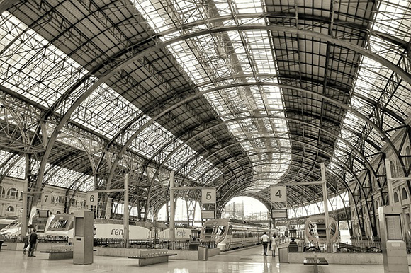 Trenes AVE Barcelona Madrid, 12 años en servicio en 2020